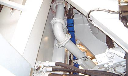 Les tuyaux sont en acier spécial et chemisés résistant à l'abrasion. Les coudes et les tuyaux du soubassement de la tourelle sont en acier anti-usure au manganèse de 8 mm d'épaisseur.
