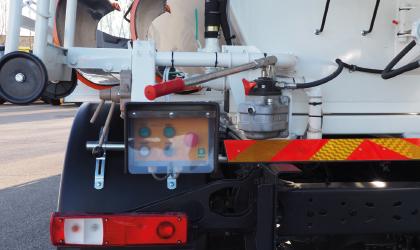 Relevage goulotte hydraulique, pompe manuelle